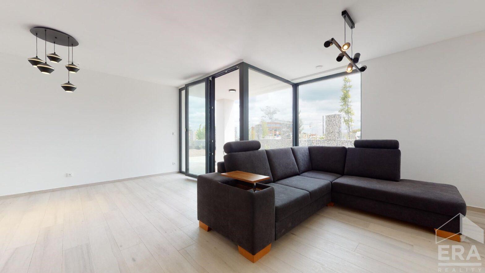 Prodej bytu 3+kk 94 m²,terasa 39,4 m², lodžie 6,9 m² zahrada 185,6 m²(+garáž+ sklep), Praha 5 – Na Vidouli Ul. Jindrova                                                                         Cena:12 908 027 Kč