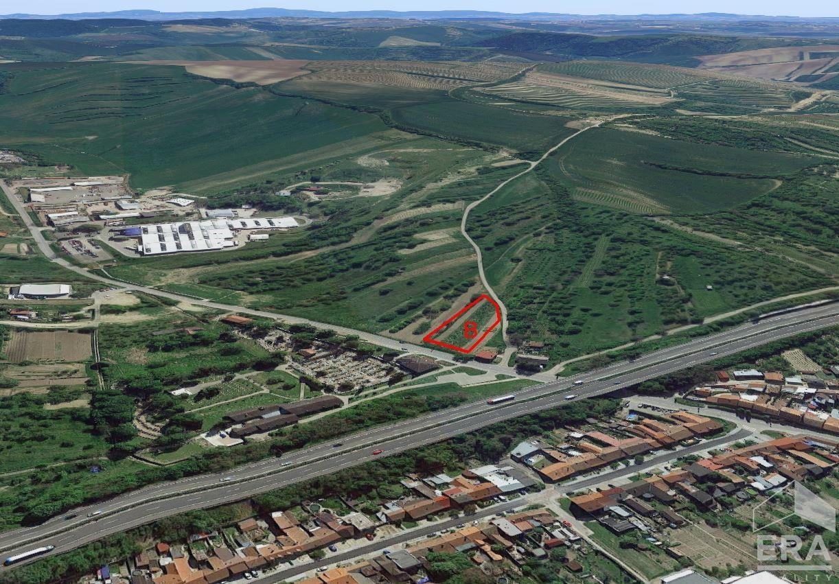 Prodej komerčního pozemku 2 816 m2, Hustopeče,