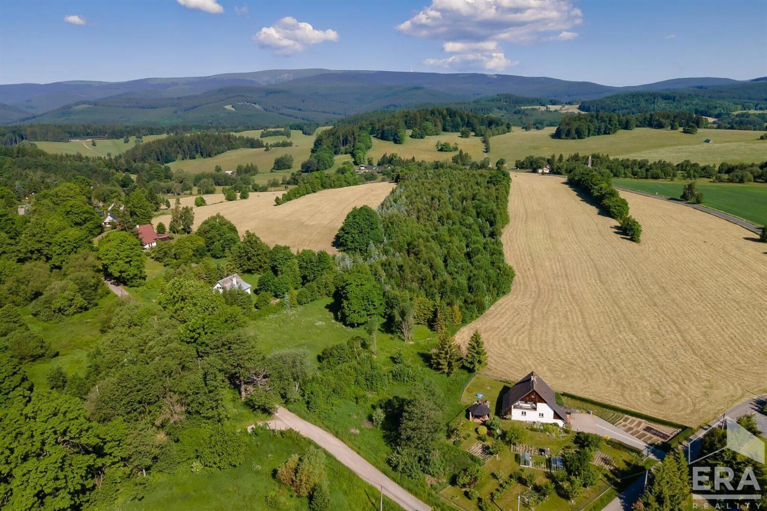 Prodej stavebního pozemku 3221m²