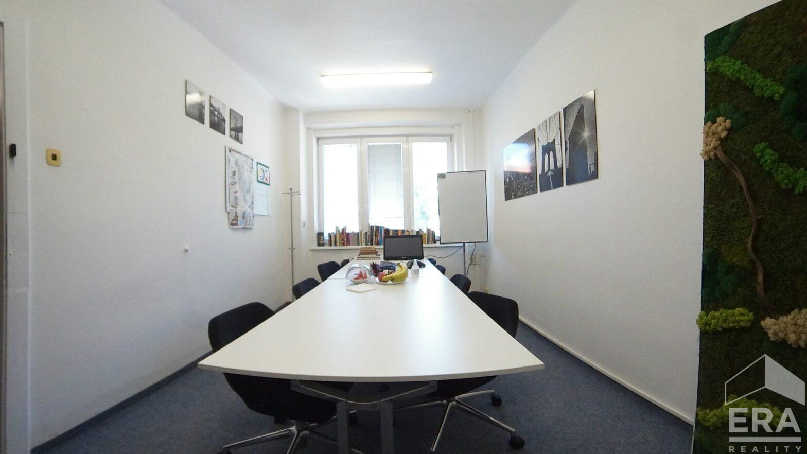 Pronájem kanceláří, 100 m2, ul. Velflíkova 10, Praha 6