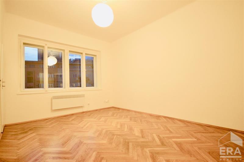 Pronájem bytu 1+kk, 26 m2, Praha – Pankrác, Doudlebská