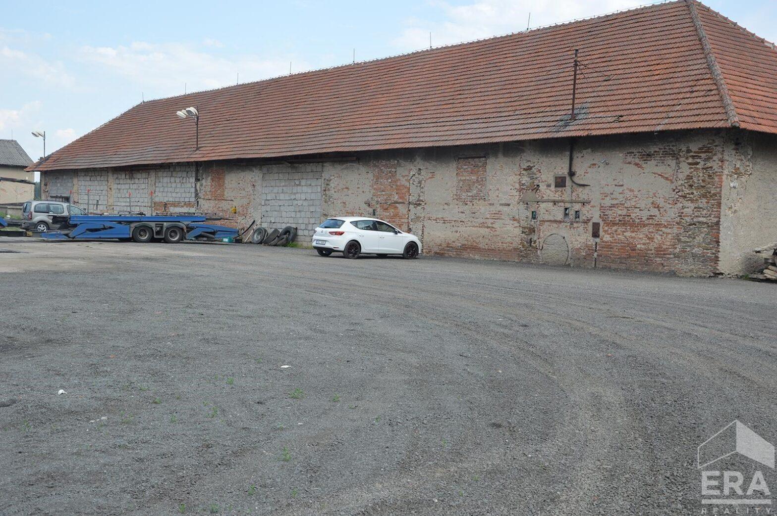 Pronájem komerčního objektu o celkové ploše 4066 m2, Veltruby okr. Kolín