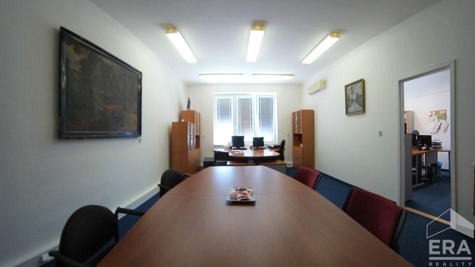 Pronájem kanceláří, 123 m2, ul. Velflíkova 10, Praha 6