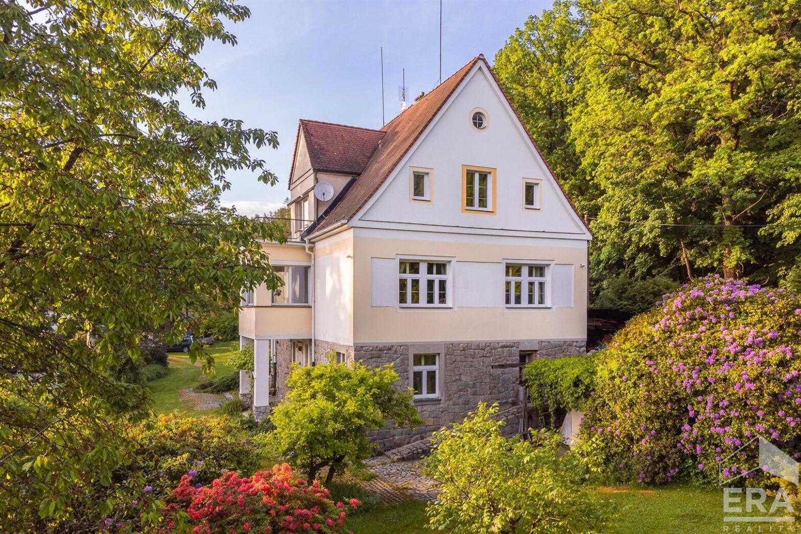 Prodej prvorepublikové vily, 278 m2, Kozelská, Šťáhlavy