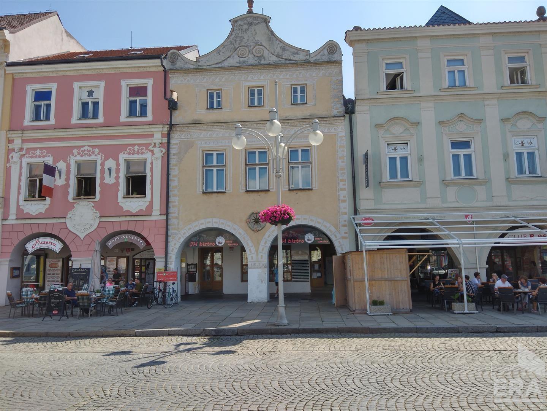 Pronájem komerčního prostoru na náměstí v Přemysla Otakara II.