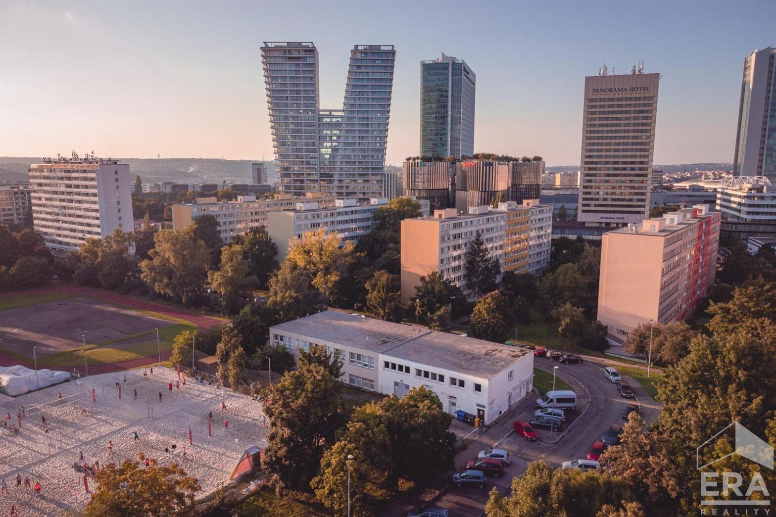 Pronájem kancelářských prostor, 92 m2, Bartákova, Praha 4