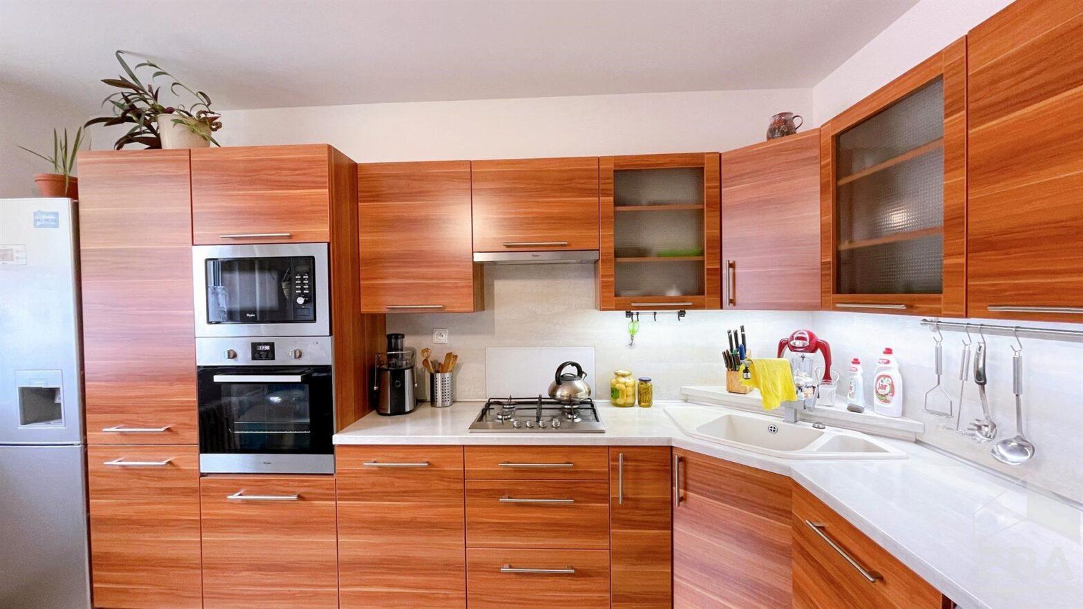 Prodej kompletně vybaveného zrekonstruovaného bytu 3+1, Havířov