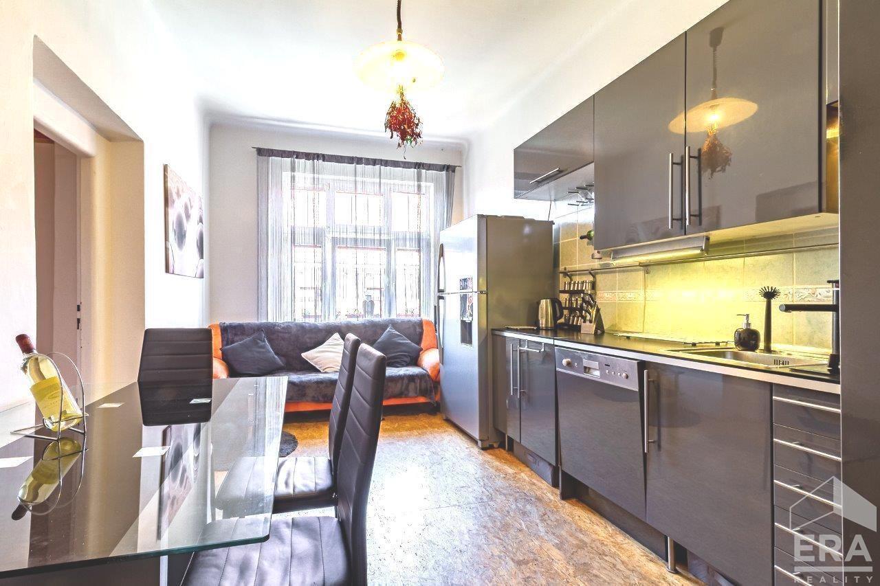 Prodej bytu 4+kk se sklepem (95 m2), ul. U průhonu, Praha 7 – Holešovice