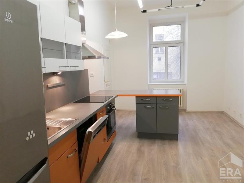 Pronájem bytu 3+1, 107 m2, Praha 3 Žižkov