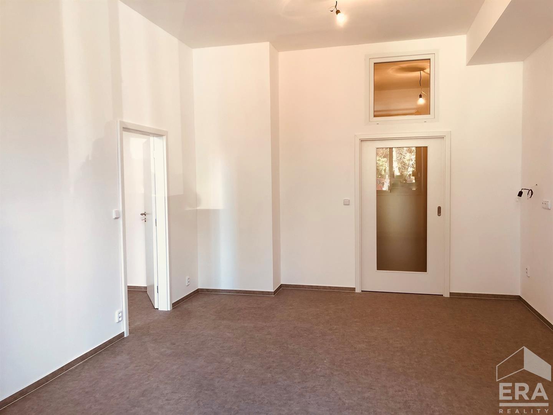 Praha, Luštěnická 723 družstevní byt B